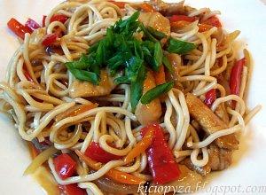 Kurczak z warzywami w sosie po chińsku