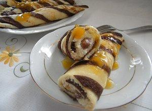 Nale�niki w paski z serem i rodzynkami