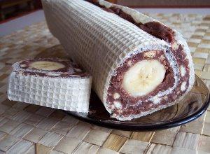 Waflowa rolada z bananem