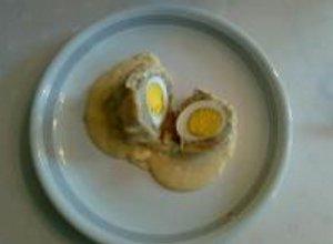 Pyzy nadziewane jajkiem - ugotuj