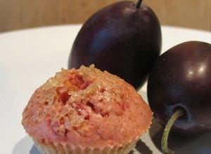 Orkiszowa m�ka ze �liwk� - mini muffinki