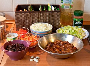 Makaron sma�ony z kurczakiem i warzywami - ugotuj
