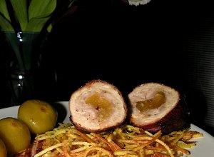 Roladki schabowe z figami z konfitury i chru�cik ziemniaczany