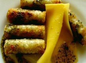 Sajgonki z łososiem serem i grzybami. - ugotuj