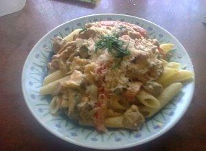 Makaron z warzywami i kurczakiem