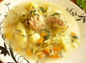 Og�rkowa zupa z pulpecikami - ugotuj