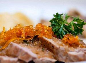 Pol�dwiczki wieprzowe w sosie pomara�czowym