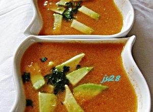 Zupa krem z kukurydzy z cząstkami awokado - ugotuj