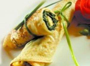 Grillowane naleśniki z hummusem i szpinakiem - ugotuj