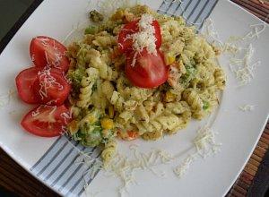 Makaron z kurczakiem i warzywami - ugotuj