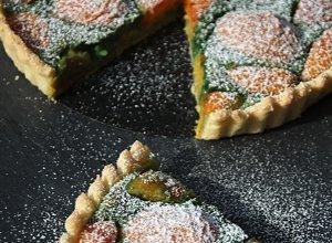 Tarta pistacjowa z morelami