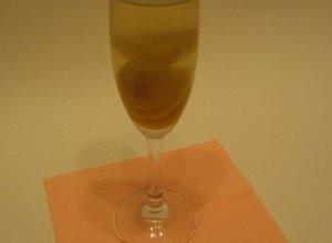 Deser w kszta�cie szampana
