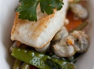 Smażony dorsz na warzywnym ragout - przepis blogera - ugotuj