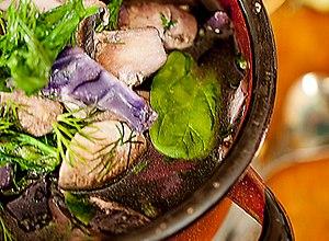 Pyszna oczyszczaj�ca zupa z czerwonej kapusty - ugotuj