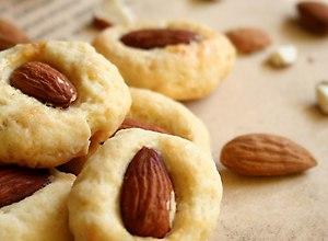 Kruche ciasteczka z migda�em - przepis blogera - ugotuj