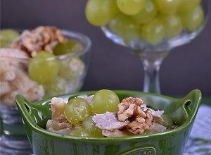 Sałatka z kurczakiem i winogronami - ugotuj