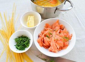 Cytrynowe spaghetti z łososiem - ugotuj