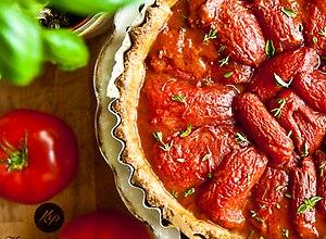 Tarta pełnoziarnista z karmelizowanymi pomidorami - ugotuj