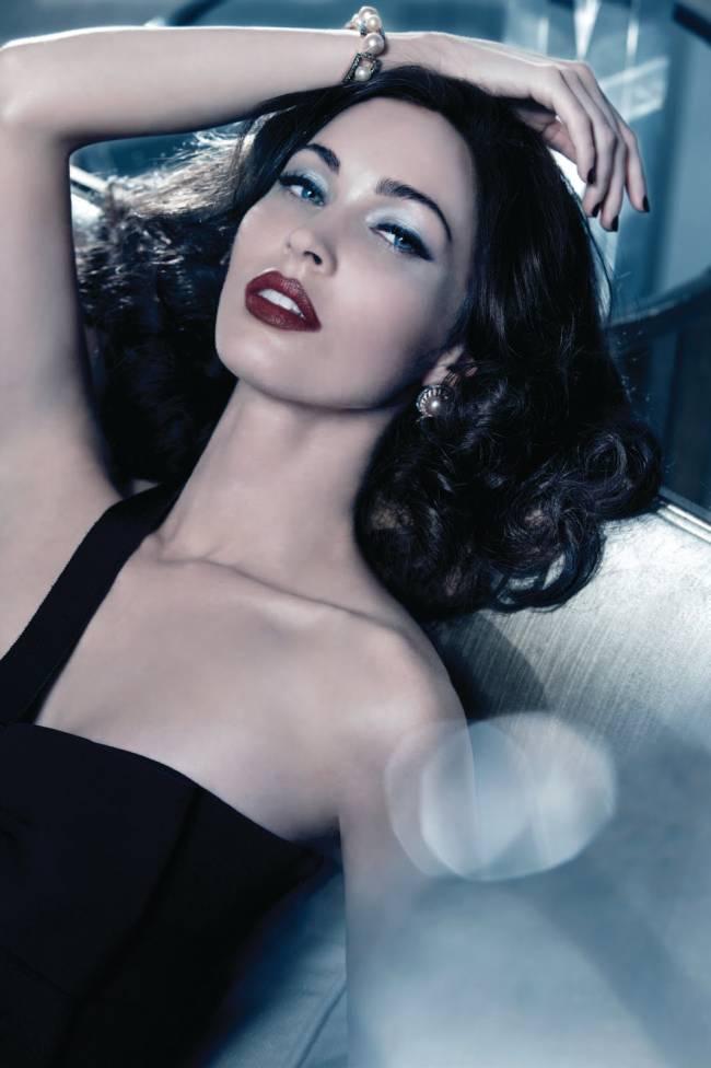 Megan Fox - świąteczna kampania Armani Beauty