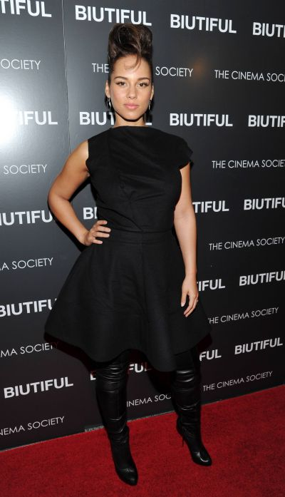 Singer Alicia Keys attends a special screening of 'Biutiful' hosted by The Cinema Society at The Lighthouse Theater on Wednesday, Dec. 1, 2010 in New York. (AP Photo/Evan Agostini)