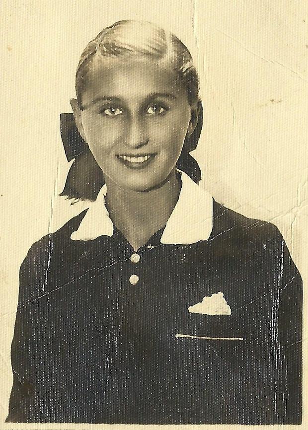 https://bi.gazeta.pl/im/00/da/11/z18721024Q,Barbara-Kwiecinska-w-1938-r-.jpg