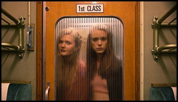 Stacy Martin jako młoda Joe (z prawej) w konkursie