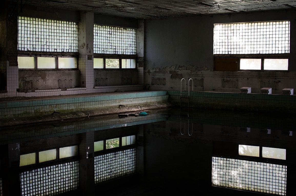 Opuszczony basen w Legnicy