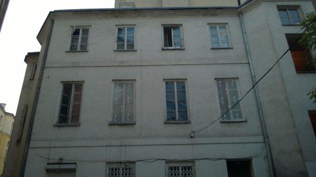 W tym bloku na drugim piętrze wychowywała się Maria Majewska, ul. Bracka 20