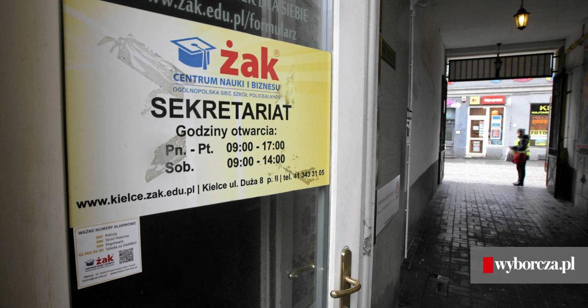 Najnowsze Żak' zamyka szkołę w Kielcach. Problem ma kilkuset uczniów, część VQ36