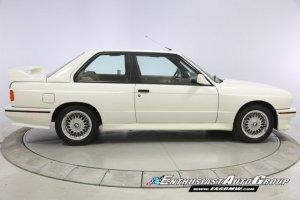 25-letnie BMW M3 na aukcji