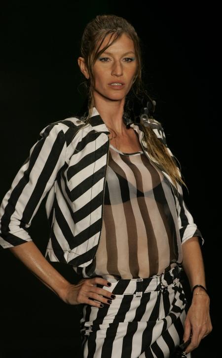 Gisele Bundchen na wybiegu podczas Sao Paulo Fashion Week