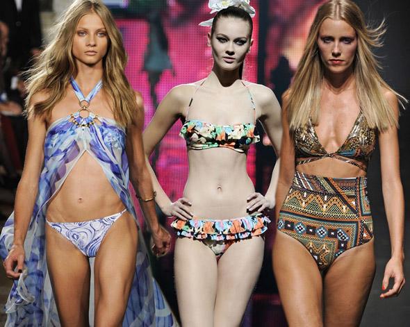 Najmodniejsze stroje kąpielowe prosto z wybiegów, kostiumy kąpielowe, bikini, modelki, pokazy mody, wiosna 2011, lato 2011, inspiracje, trendy, nasycone kolory, wzory, stroje jednoczęściowe, kostiumy dwuczęściowe