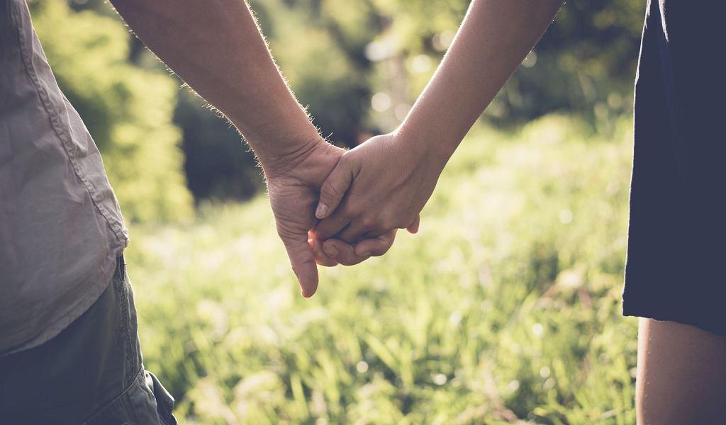 Fizyczność jest szczególnie ważna na początku związku, w pierwszym etapie wyzwolenia pociągu seksualnego i aspektu namiętności; zdjęcie ilustracyjne (fot. Bety Arlaca / iStockphoto.com)