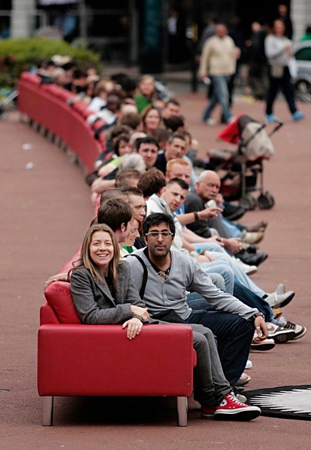 Najdłuższa sofa świata w Glasgow