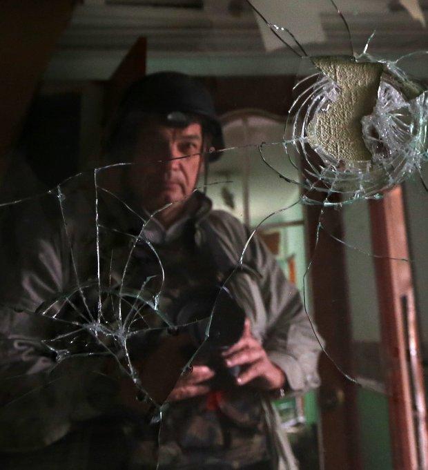 Autoportret w stłuczonym lustrze (fot. Sergei Loiko)