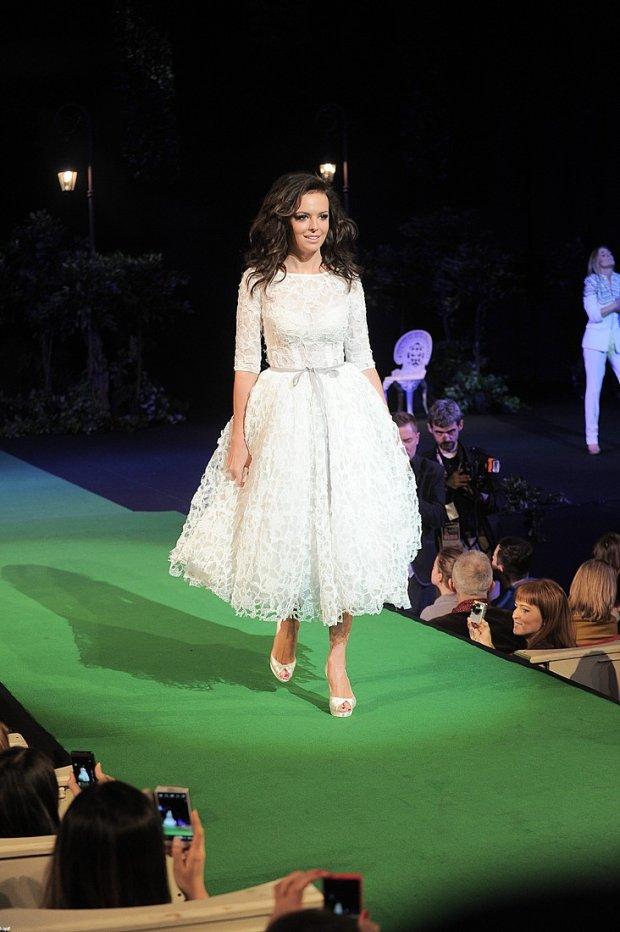Pokaz mody ślubnej firmy Angel z udziałem Gwiazd, Ania Wendzikowska