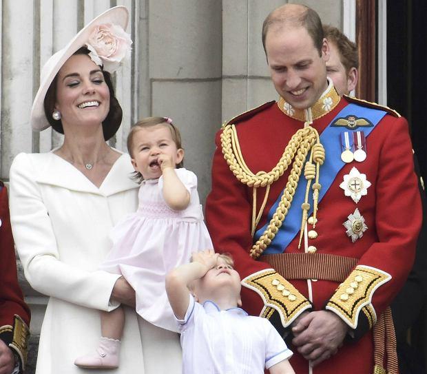 Księżna Kate, księżniczka Charlotte, książę William i książę George