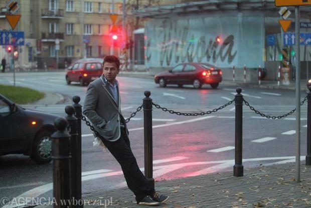 30.09.2010 WARSZAWA , PLAC WILSONA . KONRAD SMOCZNY AUTOR FILMU PROMUJACEGO ZOLIBORZ FOT. WOJCIECH OLKUSNIK / AGENCJA GAZETA