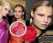Czerwień powieki - nowy wiosenny trend w makijażu