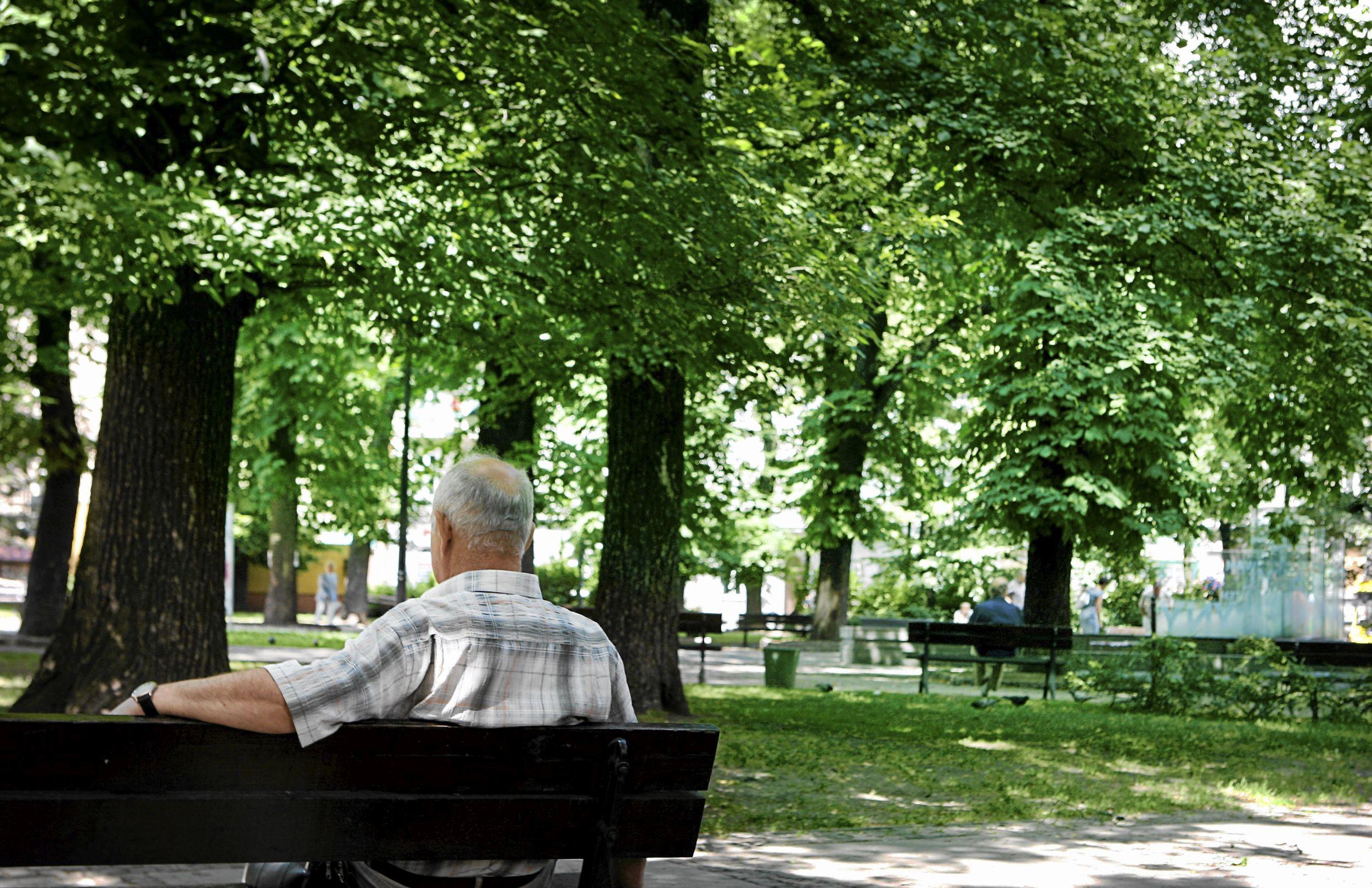 Dzisiejsi 30-latkowie na emeryturze będą najprawdopodobniej pobierać świadczenia o 2/3 mniejsze niż zarabiana wcześniej kwota (fot. Grzegorz Celejewski / Agencja Gazeta)