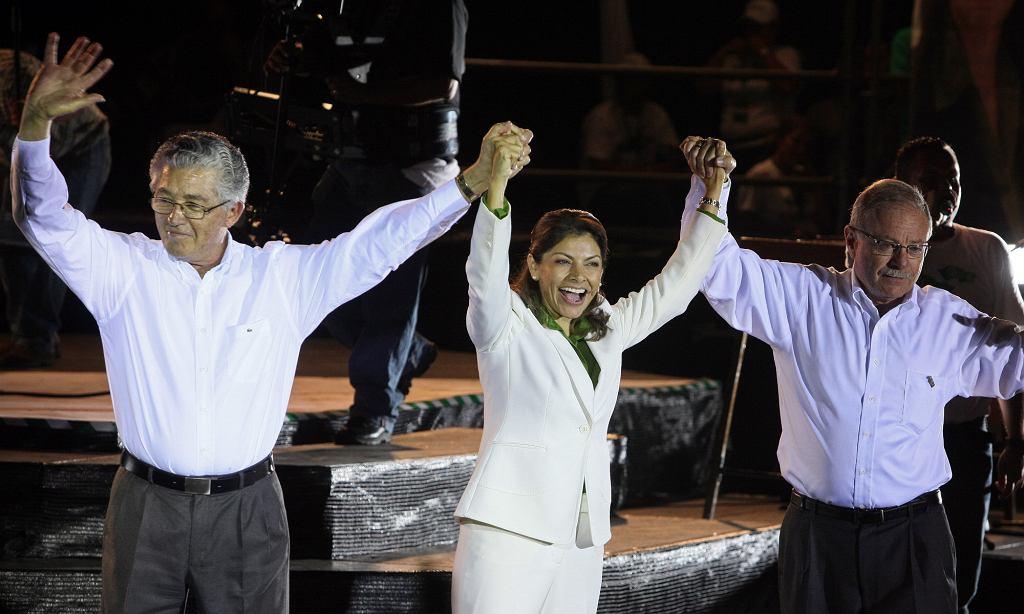 Współcześnie Żydzi odgrywają istotną rolę na Kostaryce. Na zdjęciu (z prawej) jeden z wiceprezydentów tego kraju, wywodzący się z rodziny żydowskiej Luis Liberman, który sprawował urząd w latach 2010-2014 (fot. Mayela Lopez / Eastnews)