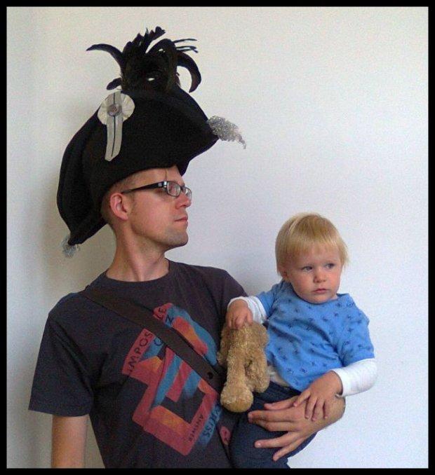 Napoleon na wychowawczym. W rolach głównych Daniel i mała Greta