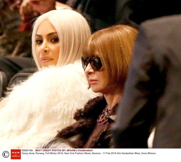 Kim Kardashian West i Anna Wintour na pokazie Kanye Westa