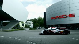 Wideo   Audi wita Porsche z powrotem w Le Mans