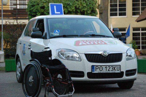 Chwalebne Samochód dla niepełnosprawnego kierowcy IX37
