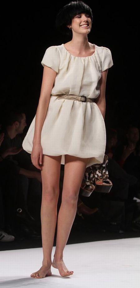 Fashion for relief Agyness Deyn
