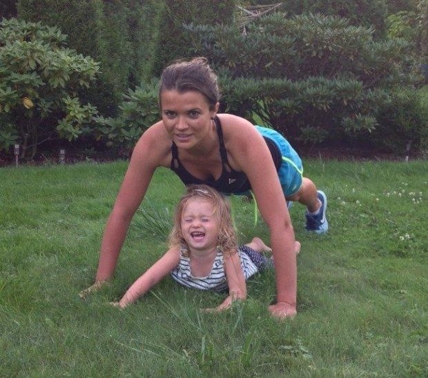 Ćwiczenia z dzieckiem mogą być świetną zabawą