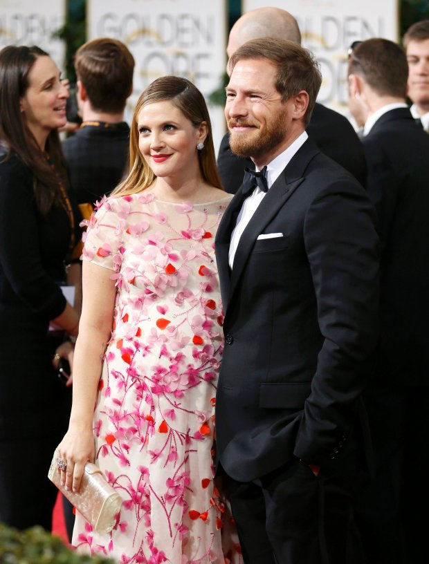 Actress Drew Barrymore and husband, Will Kopelman, arrive at the 71st annual Golden Globe Awards in Beverly Hills, California January 12, 2014.  REUTERS/Danny Moloshok  (UNITED STATES - Tags: Entertainment)(GOLDENGLOBES-ARRIVALS)