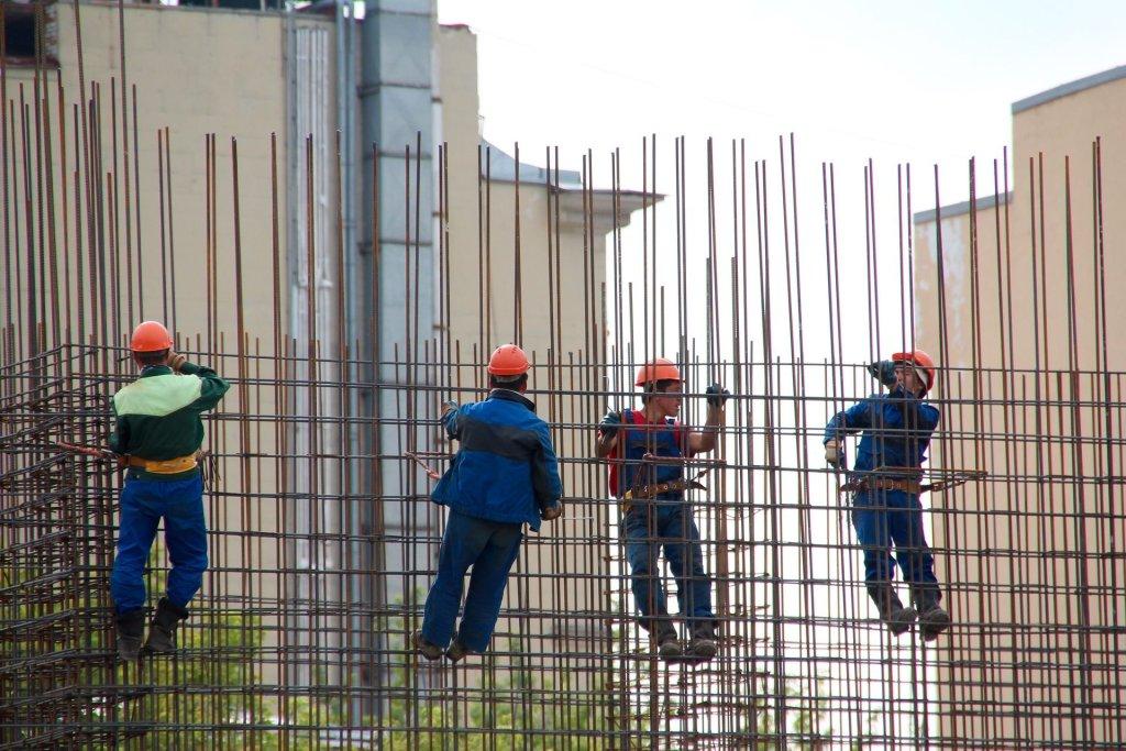 Coraz częściej mówi się o związkach zawodowych dla imigrantów - ich liczba stale rośnie i wciąż najczęściej zatrudniani są na czarno (fot. Pixabay.com)
