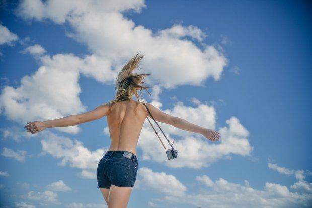 Ilu rzeczy - tak naprawdę - potrzebujesz, aby być szczęśliwą? (fot. Pexels.com CC0)